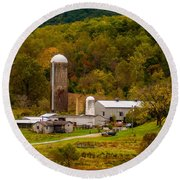 Farm View With Mountains Landscape Round Beach Towel