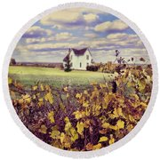 Farmhouse And Grapevines Round Beach Towel