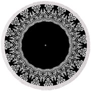 Feathers And Circles Kaleidoscope In Black And White Round Beach Towel