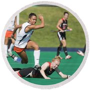 Field Hockey Hurdle Round Beach Towel