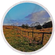 Field Of The Cotswold Round Beach Towel