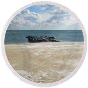 Fierce West Wind Round Beach Towel