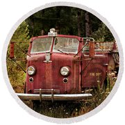 Fire Truck With Texture Round Beach Towel