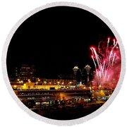 Fireworks Over The Kansas City Plaza Lights Round Beach Towel