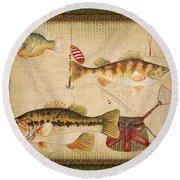 Fish Trio-a-greenborder Round Beach Towel