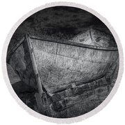 Fishing Boat On Shore In Black And White Round Beach Towel
