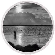 Fishing With Dad - Black And White - Merritt Island Round Beach Towel
