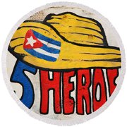 Five Heroes Cuba Round Beach Towel