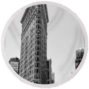 Flat Iron In Black And White Round Beach Towel by Bill Cannon
