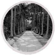 Florida Walkway Black And White Round Beach Towel