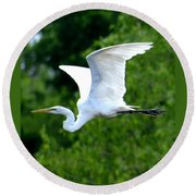 Flying Egret Closeup Round Beach Towel