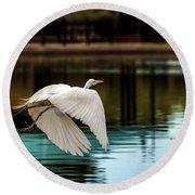 Flying Egret Round Beach Towel