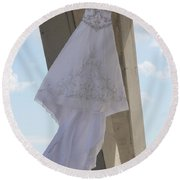 Flying Wedding Dress 2 Round Beach Towel