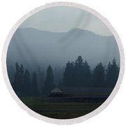 Fog Forming At Dusk In The Rogue Valley Round Beach Towel