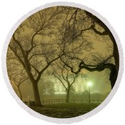 Foggy Approach To The Lincoln Memorial Round Beach Towel