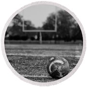 Football In Black And White Round Beach Towel