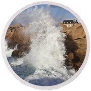Force Of Breaking Waves Round Beach Towel