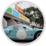 Ford Gt 40 Pit Lane Round Beach Towel