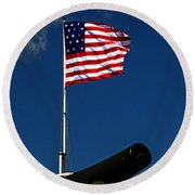 Fort Mchenry Flag And Cannon Round Beach Towel