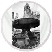 Fountain At Bryant Park Round Beach Towel