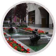Fountain At Rockefeller Center Nyc Round Beach Towel
