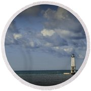 Frankfort Lighthouse On Lake Michigan Round Beach Towel