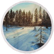 Freezing Forest Round Beach Towel