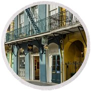 French Quarter Art And Artistry Round Beach Towel