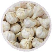 Fresh Garlic Bulbs Round Beach Towel