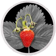 Fresh Strawberry And Leaves Round Beach Towel