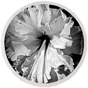 Frills And Hibiscus Flowers Round Beach Towel