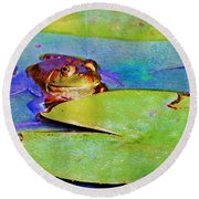 Frog - On A Water Lily Pad Round Beach Towel