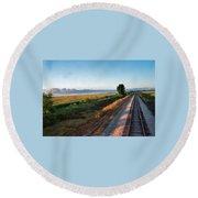 Train Through Illinois Round Beach Towel