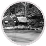 Frozen Pond In Black And White Round Beach Towel