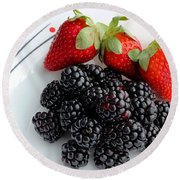 Fruit Iv - Strawberries - Blackberries Round Beach Towel