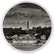 Ft Griswald Monument Black And White Round Beach Towel