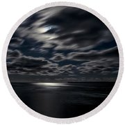 Full Moon On The Bay Of Fundy Round Beach Towel