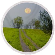 Full Moon On The Rise Round Beach Towel