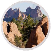 Garden Of The Gods And Red Rocks Open Space Round Beach Towel