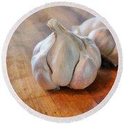 Garlic Cloves Round Beach Towel