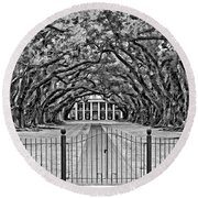 Gateway To The Old South Bw Round Beach Towel by Steve Harrington
