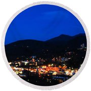 Gatlinburg Skyline At Night Round Beach Towel