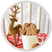 Gingerbread Family At Christmas Round Beach Towel