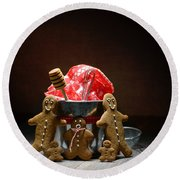 Gingerbread Family Round Beach Towel