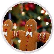 Gingerbread Men In A Line Round Beach Towel