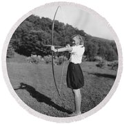 Girl Scout With Bow And Arrow Round Beach Towel