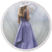 Girl With Fan Round Beach Towel