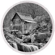 Glade Creek In Black And White Round Beach Towel