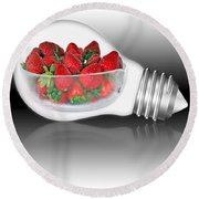 Global Strawberries Round Beach Towel