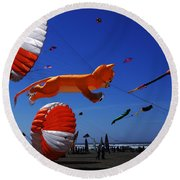 Go Fly A Kite 1 Round Beach Towel